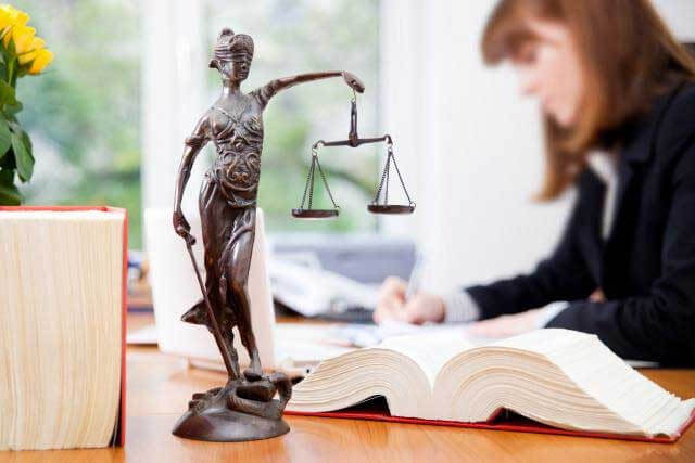 Cabinet d'avocats adoption